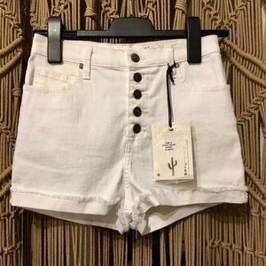 🆕Pistola cuffed frayed button white jean shorts S